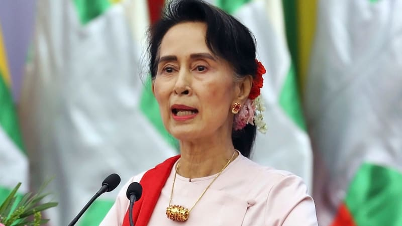 aung san suu kyi 10028370 Aung san suu kyi holds 'key' to freeing reuters journalists, says amal clooney - video aung san suu kyi on reuters jailing: show me the miscarriage of justice published: 13 sep 2018.