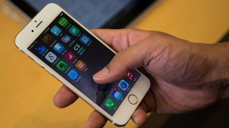 Apple's iPhone loses top spot to Android in Australia