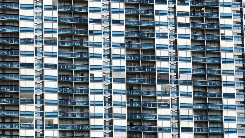 High-rise apartments are bad to live in and bad for society, says respected architect