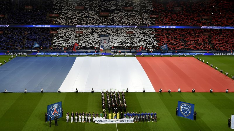 201b8ecdf11 Paris St Germain notch emotional win in first home game since terrorist  attacks