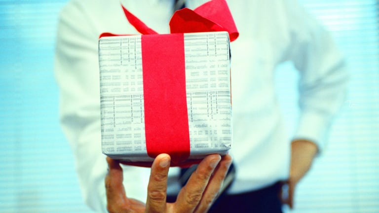 What to say when giving money as a christmas gift