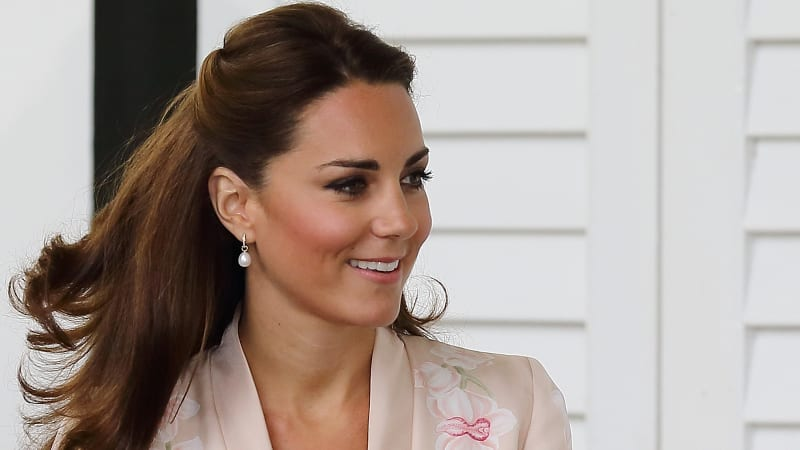 Kate Middleton's favourite half-up half-down hairstyle has celebrities doing the copycat
