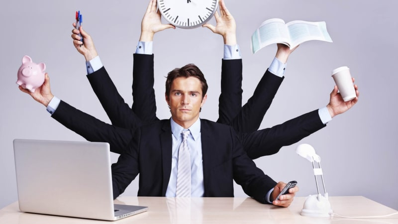12 things successful people do in the last 10 minutes of the workday