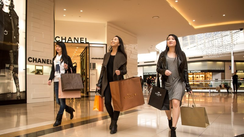 Small Business Banking >> 'This is different rich...It's crazy': the Chinese riding the spending boom