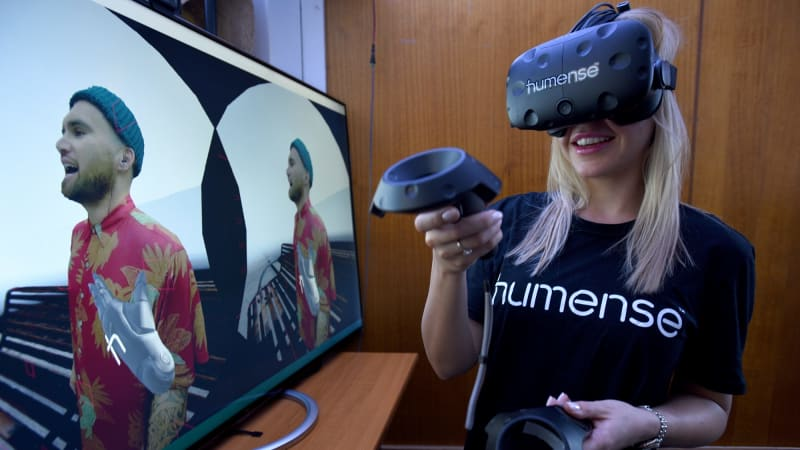 Virtual reality rides the infamous hype cycle