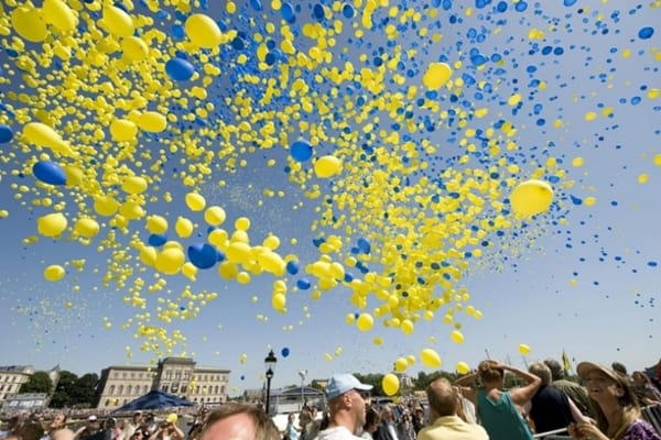 """the swedish pronoun hen Sweden has recently introduced a gender-neutral pronoun, """"hen,"""" allowing  swedes an option beyond male and female-marked pronouns."""