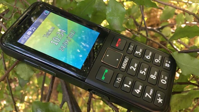 Hands on Telstra EasyCall 4 mobile phone