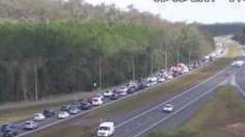 Brisbane traffic bruce highway crash delays sunshine for Coast to coast motors north freeway