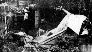 Wreckage of the Beechcraft D50  after it crashed in a laneway in Moorabbin.