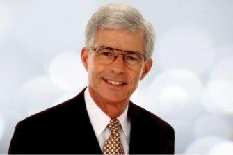 Queensland newsreader Frank Warrick has died.