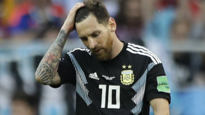 Iceland hold Argentina to draw as Messi misses penalty