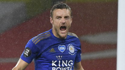 Vardy's late strike rescues Leicester, Welbeck stunner pulls Watford closer to safety