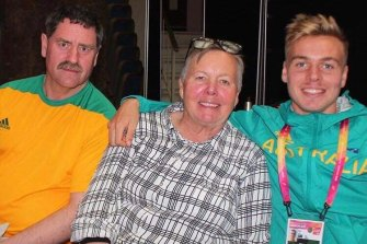 McSweyn with his mother Jacky and father Scott at the Australian embassy in London during his first World Championships in 2017.