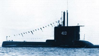 Indonesian submarine declared sunk after debris found