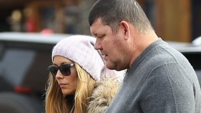 James Packer lands in Aspen ready for 'Christmas with friends'