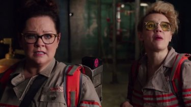 Kate McKinnon (right) and Melissa McCarthy in <i>Ghostbusters</i>.