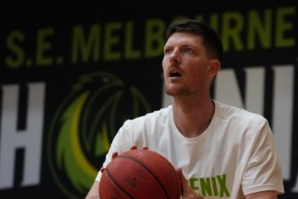 South East Melbourne Phoenix signing Cam Gliddon wants to repay the club for its faith in him.