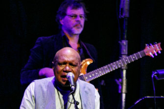 Archie Roach bares his soul as he sings stories from his life.