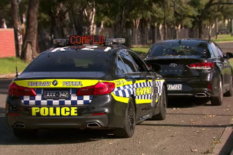 200 police have begun patrolling main and back roads in and out of metropolitan Melbourne