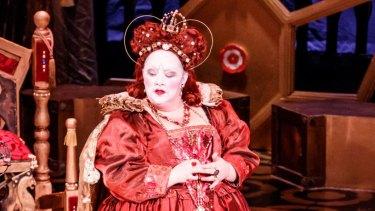Helena Dix as Elizabeth I in Melbourne Opera's Roberto Devereux.