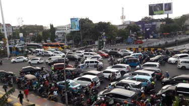 Traffic jams in Jakarta as a power failure causes chaos.