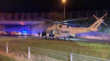 Dua helikopter penyelamat menghadiri lokasi kecelakaan.