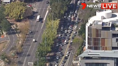 Half-hour delays as Story Bridge lanes closed in both directions