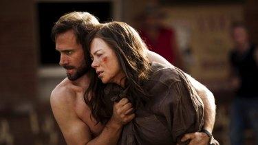 Nicole Kidman and Joseph Fiennes in Strangerland (2015).