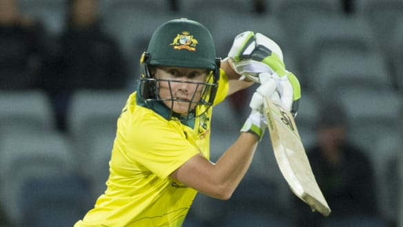 Aussie women beat NZ to reach T20 finals