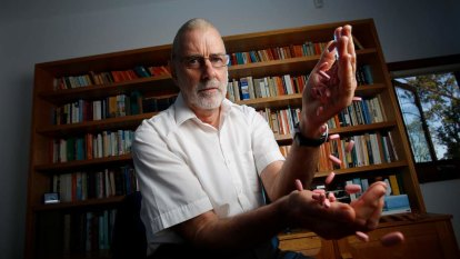 Coronavirus 'exposing deep flaws' in Australia's medical device regulation