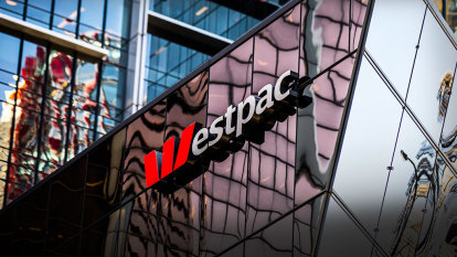 Westpac boss contrasts COVID-19 with GFC as bank reports 62% profit fall