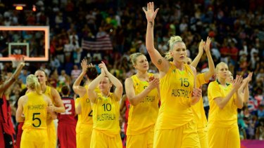 Lauren Jackson acknowledges the crowd at the end of the semifinal against the USA.