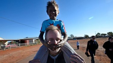 Former minister for Indigenous affairs Nigel Scullion, pictured with student Nikihas Coulthard.