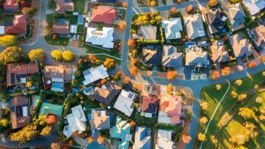 WA's property industry is reporting the lowest confidence since they began measuring.