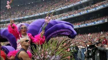 Dame Edna Everage joined with Michael Buble for a version of 'I Still Call Australia Home' in 2005.