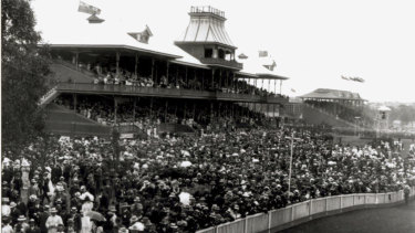 A crowd gathered at Ascot Racecourse in 1910 to watch the Perth Cup. Today, the event attracts up to 20,000 punters.