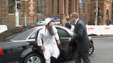 Chas Licciardello dressed as Osama bin Laden at the 2007 APEC Conference in Sydney.