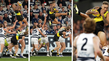 'Enjoy the car': Bolton's stunning mark leaves the footy world in awe