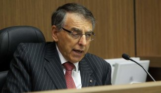 David Ipp in the ICAC commissioner's chair.