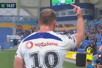 Matt Lodge flips the bird at Gold Coast fans.
