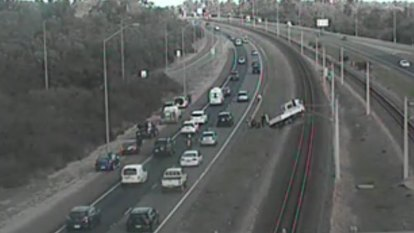 Kwinana southbound, Mandurah line reopened after freeway crash cleared