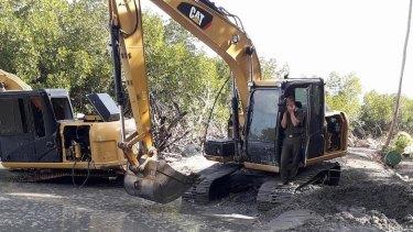 Trashing paradise: Freesoul's development work on Malolo Island.