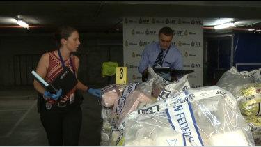 AFP officers have seized $1 billion of meth in Melbourne.