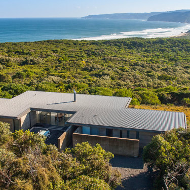Rotten Point House has taken out gold in the People's Choice and Design category in the 2018 HomeAway Holiday Rental Awards.