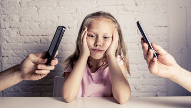 A Griffith University study has found moderate smartphone use is not harmful to family dynamics.