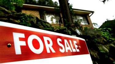 Australia's two biggest cities are experiencing a downturn in house prices.