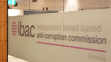 An investigation by the Independent Broad-based Anti-corruption Commission found a former contractor failed to manage a conflict of interest.