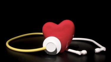 Having a lower socioeconomic status was found to increase likelihood of contracting diabetes, kidney and heart disease.