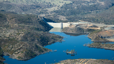 An aerial photo of the enlarged Cotter dam.