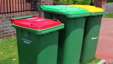 The state government considers diverting food baste with a three-bin system best practice, but it's yet to catch on across Perth councils.
